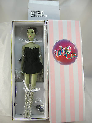 2007 BASIC WIZARD OF OZ WICKED  WITCH TONNER DOLL NRFB