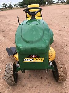 Cox Ride On Mower Narromine Narromine Area Preview