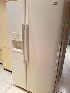 LG 2 door fridge/freezer with water and ice Belconnen Belconnen Area Preview