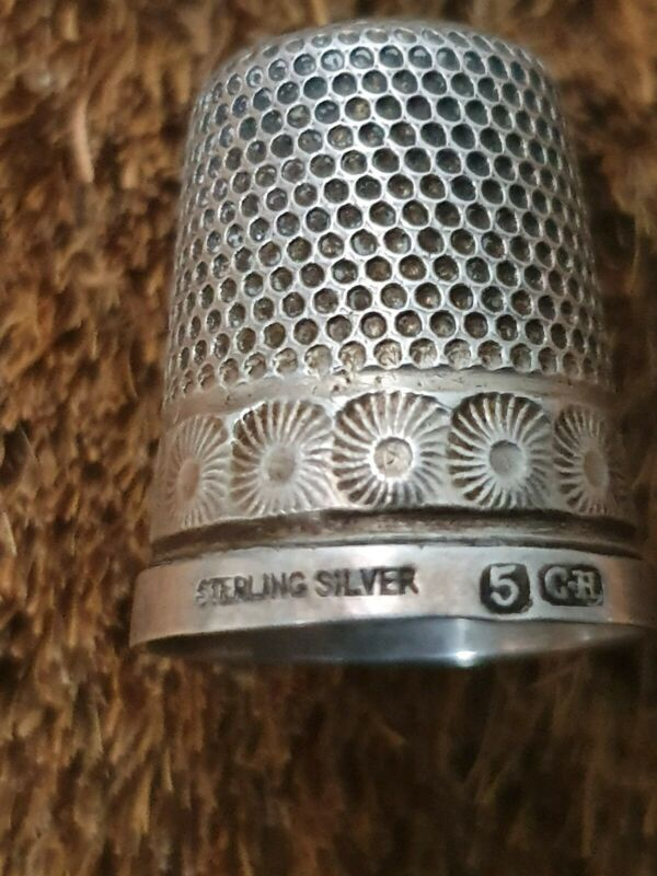 ANTIQUE NO 5 SOLID SILVER STERLING 925 CHARLES HORNER THIMBLE