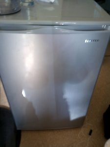 Samsung bar fridge Bomaderry Nowra-Bomaderry Preview