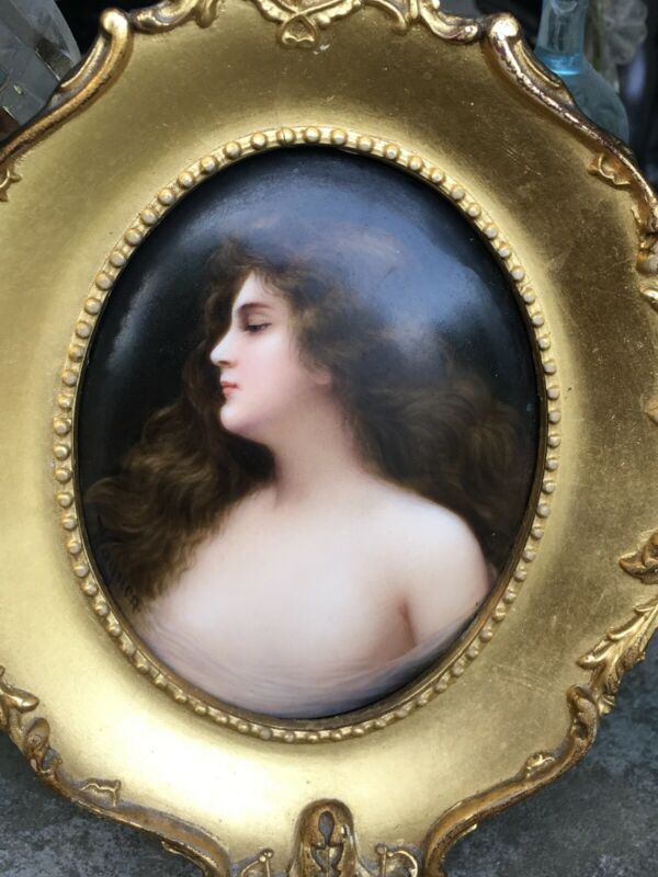 ANTIQUE KPM HAND PAINTED PORCELAIN PLAQUE PARTIALLY NUDE LADY ERBLUHT GILT FRAME