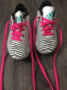 Girls size 11 Adidas soccer shoes