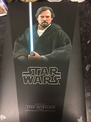 Hot Toys Luke Skywalker (Crait) 1/6th Scale Collectible Action Figure