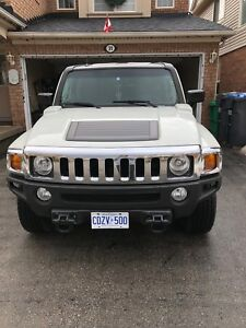 Hummer h3 - mint condition, accident free