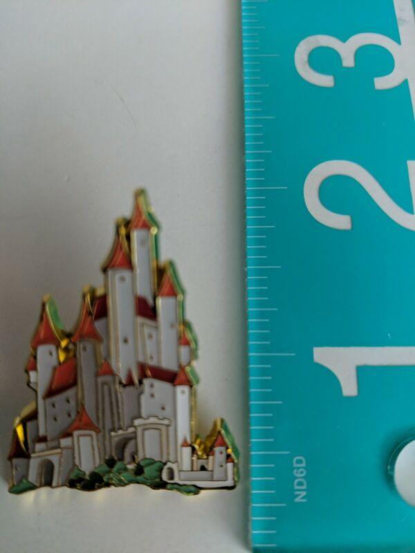 Loungefly Disney Pin - Princess Castle Blind Box - Snow White Castle Only