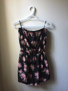 Forever 21 Romper with pockets