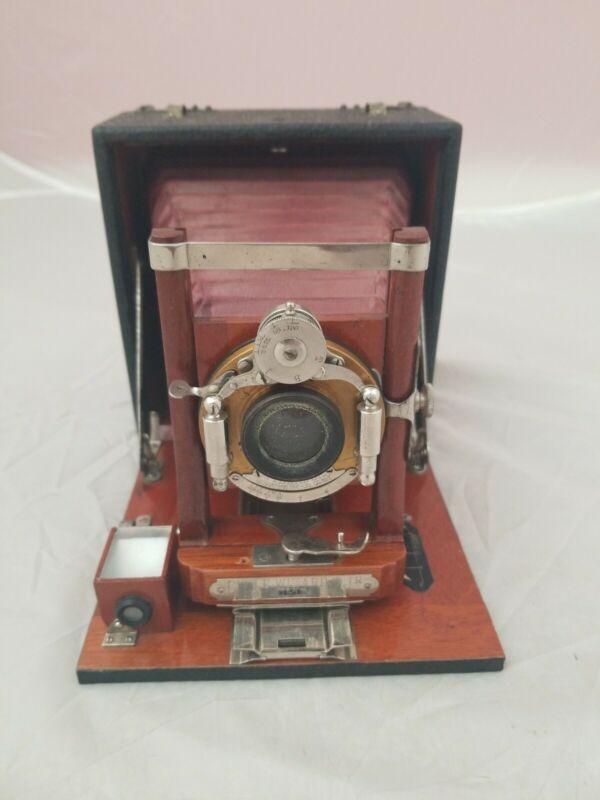Antique Manhattan Optical Co. Wizard SR Camera