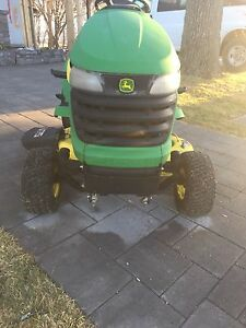 John Deere hydrostatic riding tractor