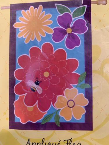 "Springy Flowers 158637 Evergreen Applique House Flag 28"" x 4"
