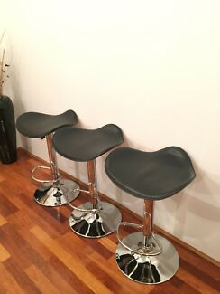 3 x black leather bar stools
