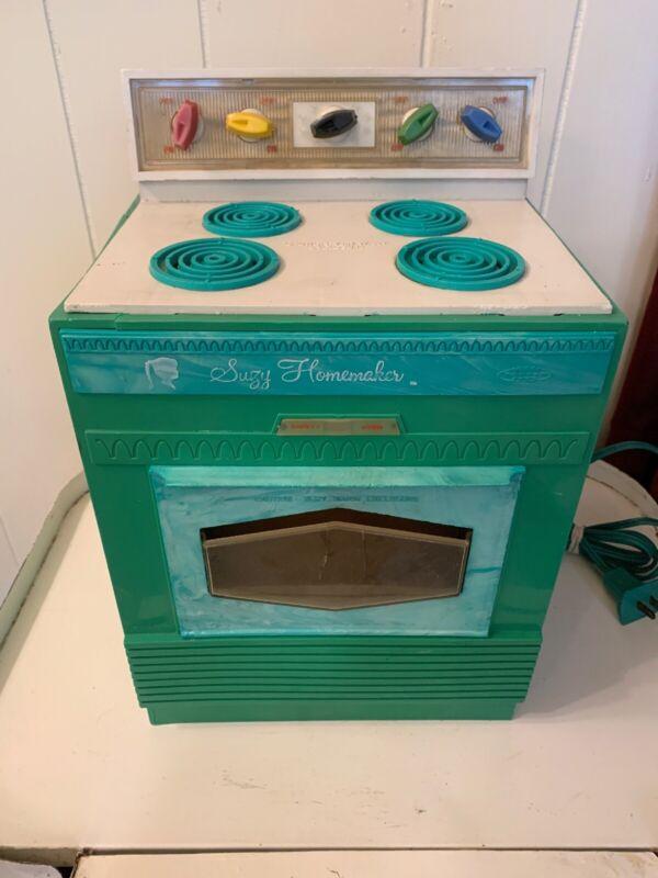 Vintage Mid Century 1960's Suzy Homemaker Toy Oven. Works