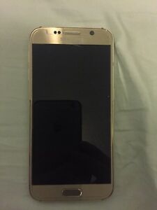 WIND/Freedom Mobile Samsung S6 32gb Gold