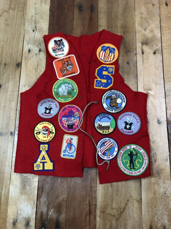 Vintage 1970s Felt Red Vest with Vintage Patches- Boy Scouts of America Large