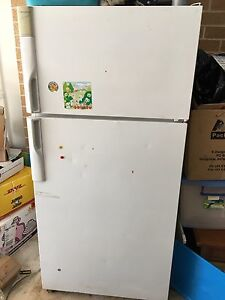 Fridge and freezer Westinghouse Auto defrost Picton Wollondilly Area Preview
