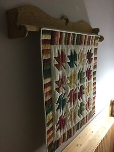 Maple wall hanger for quilt