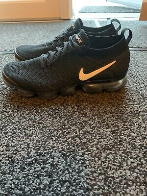 NIKE AIR VAPORMAX FLYKNIT Size 9