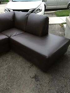 Excellent condition sectional couch for sale!! $1000 firm.  Oakville / Halton Region Toronto (GTA) image 3
