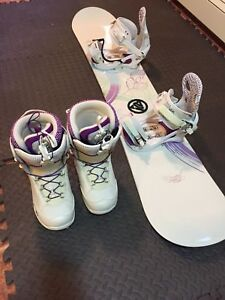 Women's/Girls snowboard and boots size 7 $250