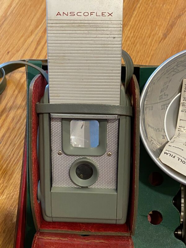 Antique 1950's ANSCO ANSCOFLEX II 2 Camera with Leather Case & Flash!