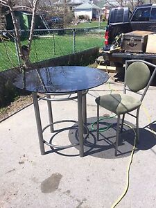 6 bar stools and ass table