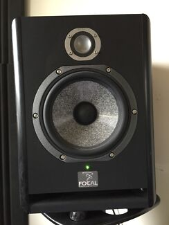 Focal solo 6be pair. Ultimate speaker stands. Krk sub Pacific Pines Gold Coast City Preview