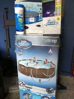 Swimming Pool brand new with extras