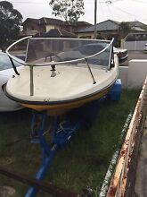 BOAT 14 feet must to go $ 500 with trailer ( no rego ) Brighton-le-sands Rockdale Area Preview