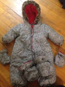 Baby boy snow suit 20$