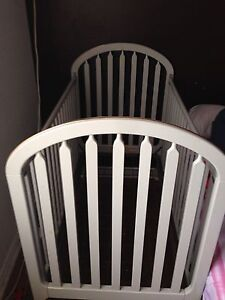Mother care crib excellent condition