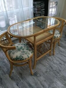 Wicker table and 2 chairs