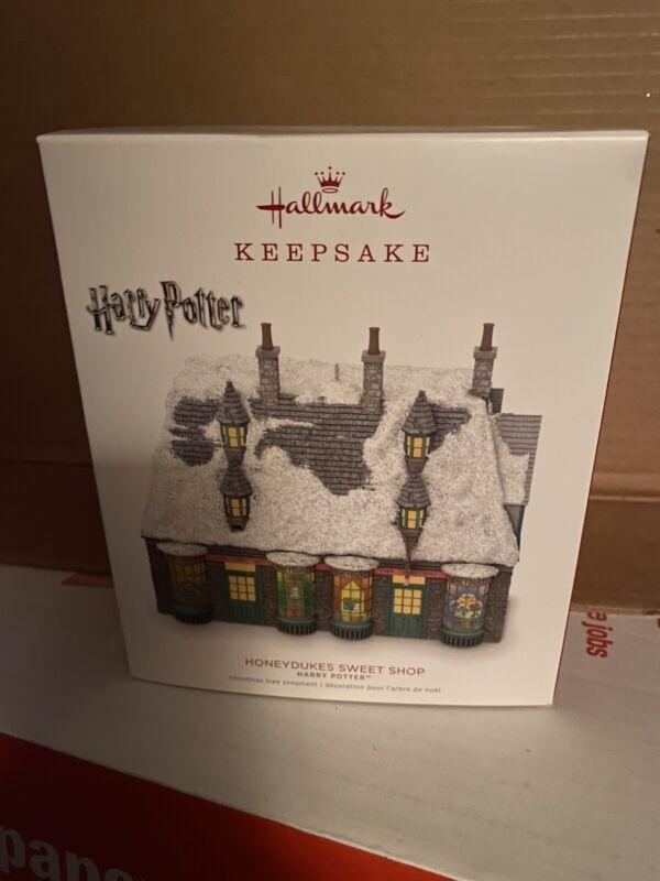 Hallmark Ornament~2018 Harry Potter Honeydukes Sweet Shop