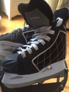 Skating Aid w/Pr of Y12 Kids Skates