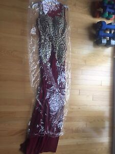 Prom dress or Occasion Dress / Robe de bal ou Robe d'occasion