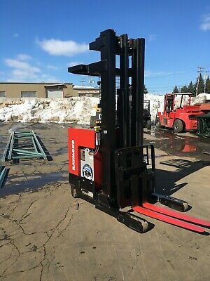 2011 Raymond Reach Truck 4000lb 240 Lift W Batterycharger 42 Forks 107 Tall