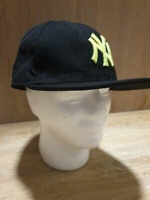 New Era 39THIRTY New York Yankees Cap, Black/neon green, S/M,