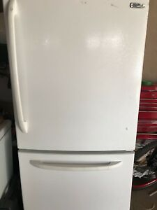 FRIDGE (MOFFAT) 100% working condition for $70 - MARKHAM