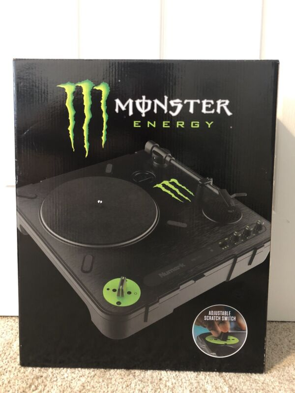 MONSTER ENERGY Built with Numark's exclusive Adjustable Scratch Switch, PT01 Scr