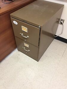 WANTED - 2 drawer / legal sized /filing cabinet