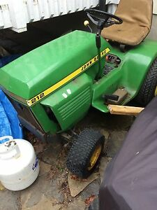 ISO John Deere 212 cutting deck
