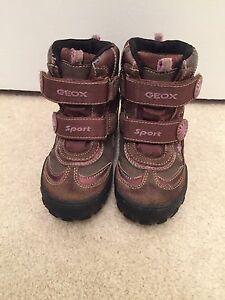 Geox size 8.5 winter boots