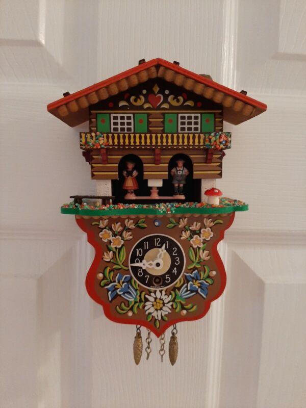 VINTAGE TOGGILI COCKOO CLOCK  MADE IN WEST GERMANY W/ KEY