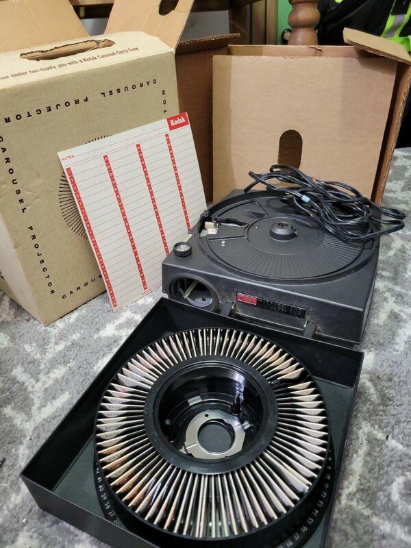Kodak Carousel 600 Slide Projector , Tray, Stack Loader, Slides Box Works