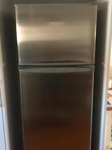 Fisher & Paykel 250L f/free fridge