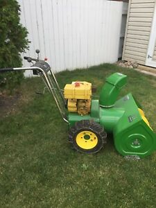 JOHN DEERE   726 snowblower