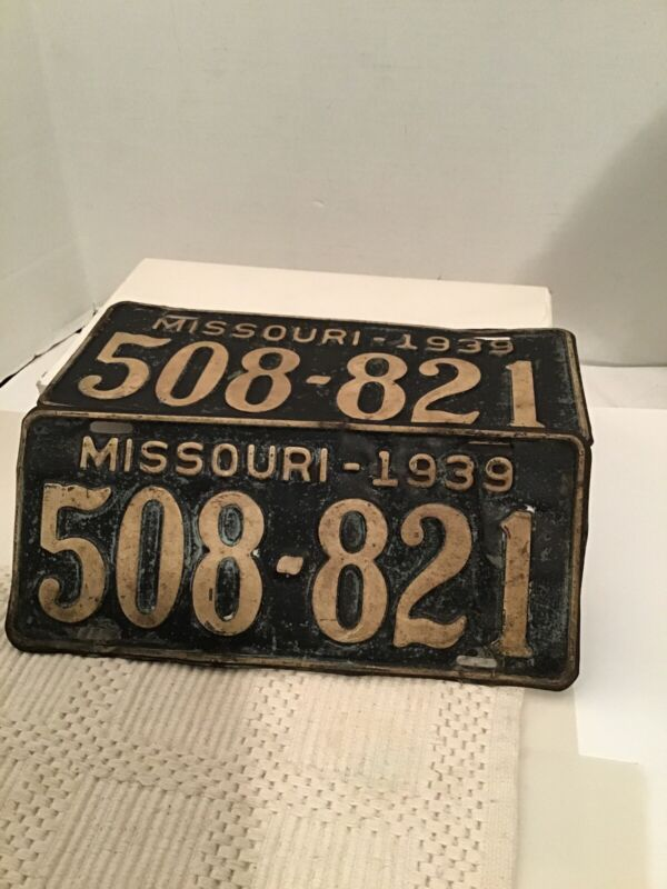 2 Vintage Pair 1939 Missouri License Plate 508 821