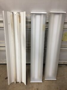 3 fluorescent light fixtures- Free