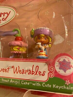 BNB / 2002 BanDai Strawberry Shortcake 15509 - BERRY SWEET WEARABLES -