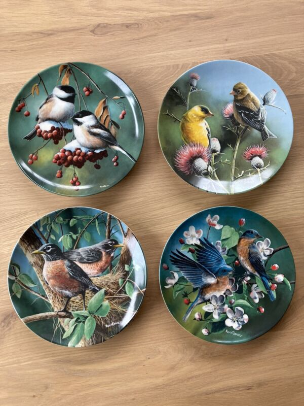 Vintage Set of (4) Edwin M Knowles Collector Birds Of Your Garden Plates