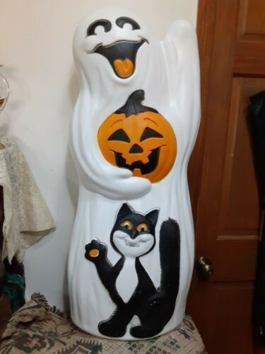 VINTAGE LARGE GHOST WITH PUMPKIN/CAT BLOWMOLD 33 INCHES TALL LOCAL PICK UP ONLY